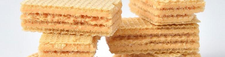 Alfajores de obleas de barquillo con pasta de maní